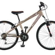 Подростковый горный велосипед в стальной раме базовой комплектации, размер колеса — 24 дюйма. фото