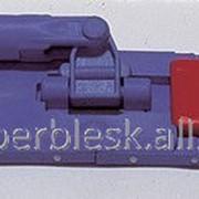 Держатель для мопа на кнопках 45 см. фото