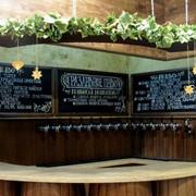 Мебель из массива дерева для баров и кафе фото