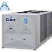 Моноблочные чиллеры и тепловые насосы с воздушным охлаждением конденсатора с осевыми вентиляторами фото