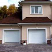 Автоматические секционные гаражные ворота фото