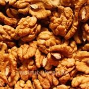 Пшеничная бабочка орехи грецкие фото