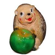 Фигура Ежик с яблоком фото