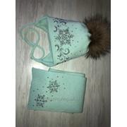 Шапка+шарф для девочки со стразами с помпоном фото