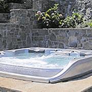 СПА-бассейны с водопадом фото