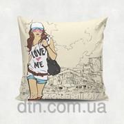 Подушка декоративная с принтом Love me фото