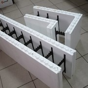 Опалубка с пластиковыми перемычками Блок рядовой фото