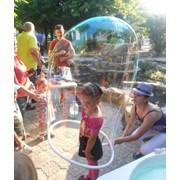 Организация детских праздников, шоу мыльных пузырей на детском празднике фото