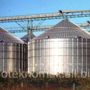 Силосы для зерна с плоским днищем. фото