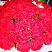 Букет из 101 местной розы фото