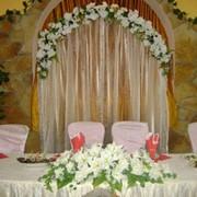 Украшения свадебные, оформление, продажа, прокат. Украшения для стола, зала, авто, шампанского. фото