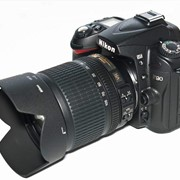 Прокат зеркальной фотокамеры Nikon D90 + объектив Nikon 18-105mm VR фото