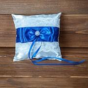 Свадебная подушечка для колец с синей лентой (арт. CR-206) фото