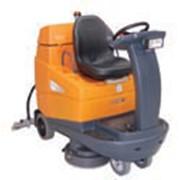 Поломоечный аккумуляторный комбайн с местом для оператора для уборки больших площадей TASKI Swingo 4000 Артикул 70022819 фото