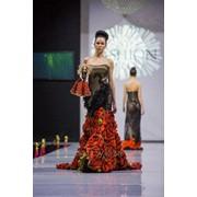 Вечернее платье Olik&Kate, черное в красные розы фото