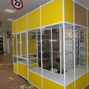 Сборка и монтаж торгового-выставочного оборудования фото