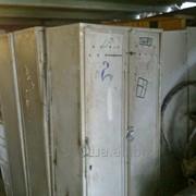 Шкаф для бытовки железный 2-х секционный фото