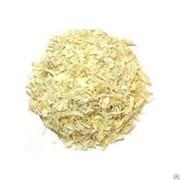 Сушеный репчатый лук, белый, коммерческий фото
