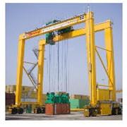 Тыловые контейнерные перегружатели на пневмоколесном ходу (RTG) фото