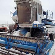 Зерноуборочный комбайн фото