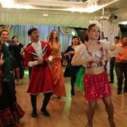 Танцевальный интерактив с гостями в Алматы на праздник фото