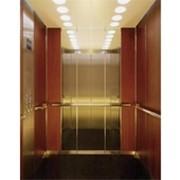 Лифт с маленьким машинным отделением фото