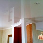 Глянцевые потолки фото