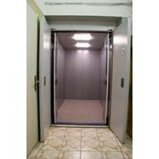 Лифт с ручным приводом дверей фото