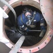 Очистка емкостей от нефтепродуктов, ГСМ фото