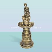 Декоративный фонтан Девушка на камне фото