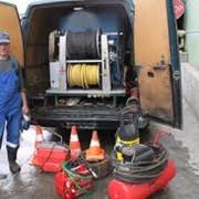 Очищение систем канализации, ловушек, выгребных ям. Очищение и ремонт скважин. Восстановление, прокладка водопровода и канализации, ремонт и реконструкция водопроводов и канализации. фото
