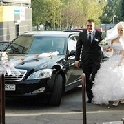 Аренда автомобиля на свадьбу в Денпропетровске фото