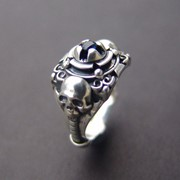 "Серебряное кольцо ""Altar"" с синим сапфиром от WickerRing фото"