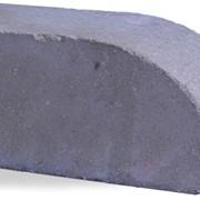 Кирпич закругленный угол серый фото
