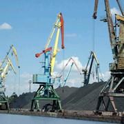 3-й грузовой район, специализация: навалочные грузы - руда, окатыш, уголь, железорудный концентрат, кокс, общая длина причалов– 565 м фото