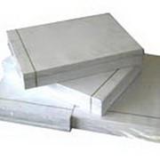 Белая бумага для черчения и набросков фото