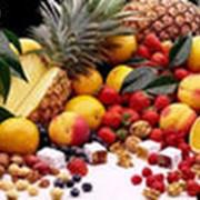 Продажа свежих фруктов фото