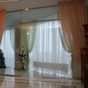 Стеклянные перегородки и двери, стеклоинтерьеры. фото