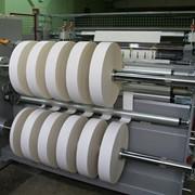 Нарезка рулонного картона (бумаги) фото