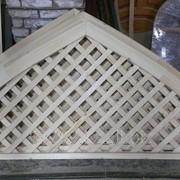 Решетка на радиатор деревянная фото