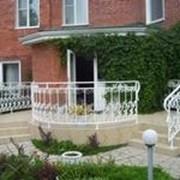 Ограждения для балконов и лестниц (перила, лееры) фото
