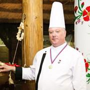 ПоварОпыт работы в ресторанах, семьях. Знание различных кухонь. фото