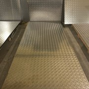 Алюминиевый лист рифленый от 1,2 до 4мм, резка в размер. Гладкий лист от 0,5 до 3 мм. Доставка по всей области. Арт-732 фото