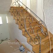 Лестницы декоративные с элементами ковки №3 фото
