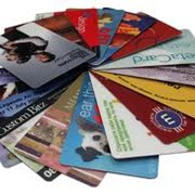 Дисконтные карты для торговли и сферы услуг Карты предоплаты Бейджи с цветной фотографией Любая персонализация карт эмбоссирование штрих-код магнитная полоса фото