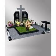 Надгробные памятники изготовление, изготовление памятников гранит а так же цены на изготовление памятников из гранита вы можите узнать у нас. Изготовление памятников. фото