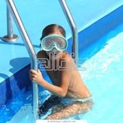 Услуги детских плавательных бассейнов фото