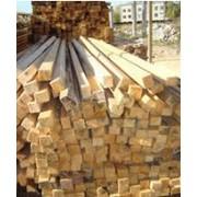 Брус монтажный. Брусок монтажный — это деревянный (в основном сосновый) брус небольшого сечения, предназначенный для крепления изделий из дерева, пластика и прочих материалов к стене, потолку и между собой фото