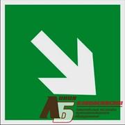 Знак код E02-02 Направляющая стрелка под углом 45 фото