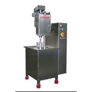 Полуавтоматическая закаточная машина для консервных банок и бутылок фото